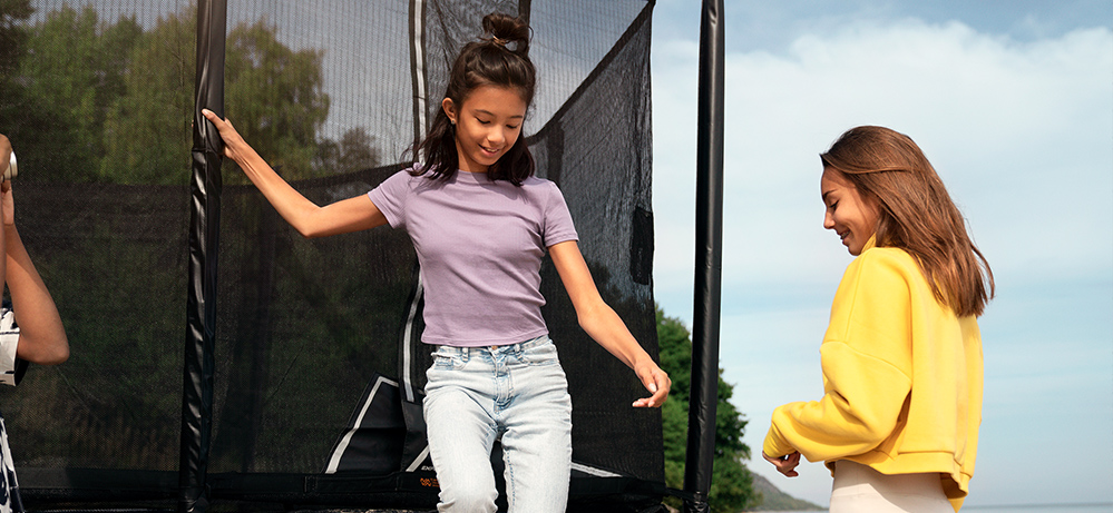 FAQ Thinking of buying a trampoline? Look no further.