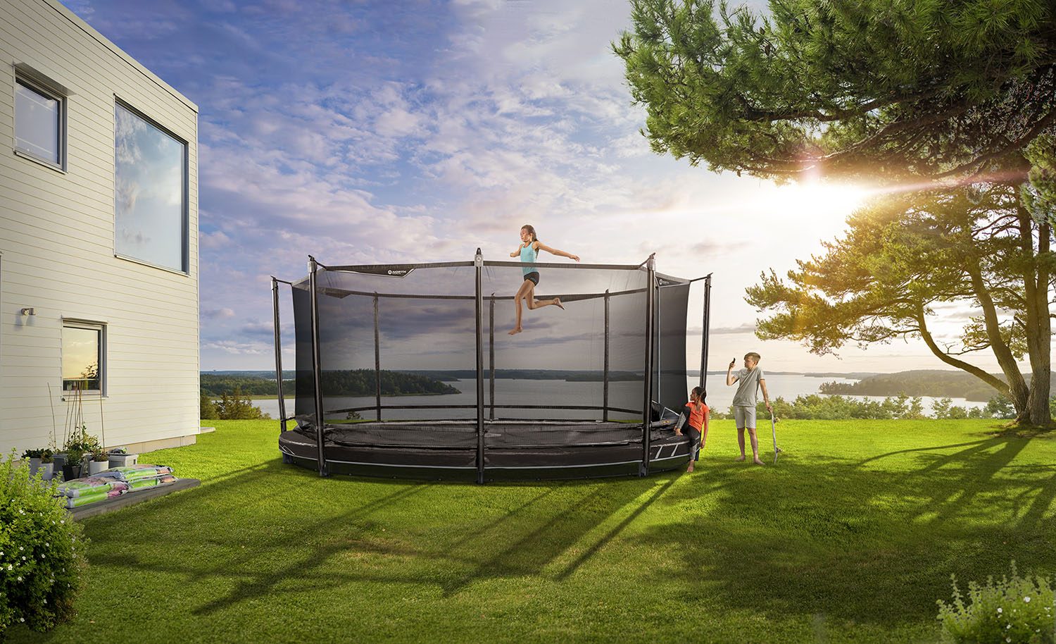 To Lower a Trampoline A discreet way to meet the needs of the whole family